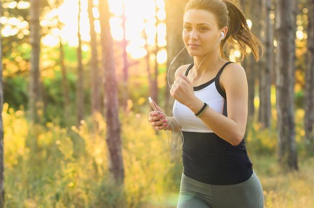 běžící žena