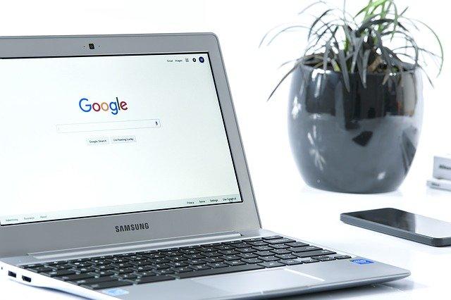 google, vyhledávač, notebook